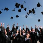 ¿Estudiar una carrera universitaria asegura el éxito?